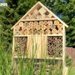 Zwei selbststehende Insektenhotels gewinnen